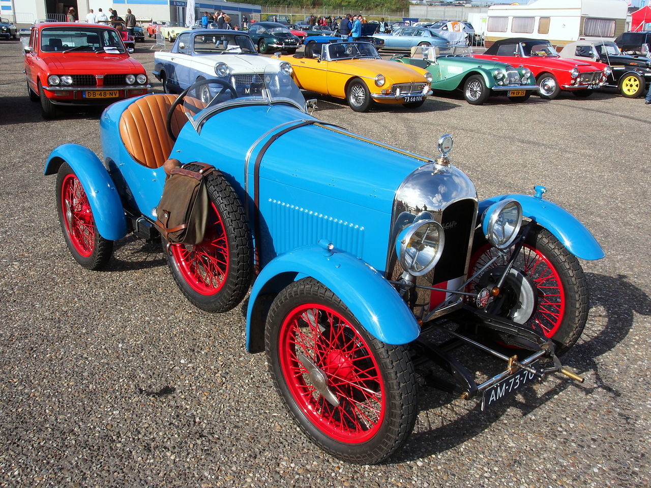 1927_Amilcar_CGSS--bleu-2-seater-Sports