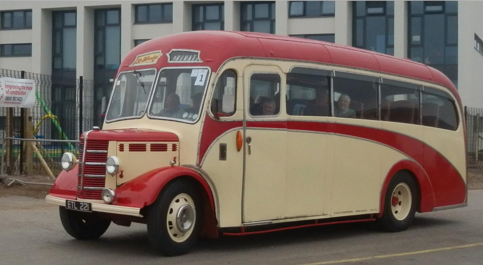 Bedford-OB-Carr-Plaxton-1950