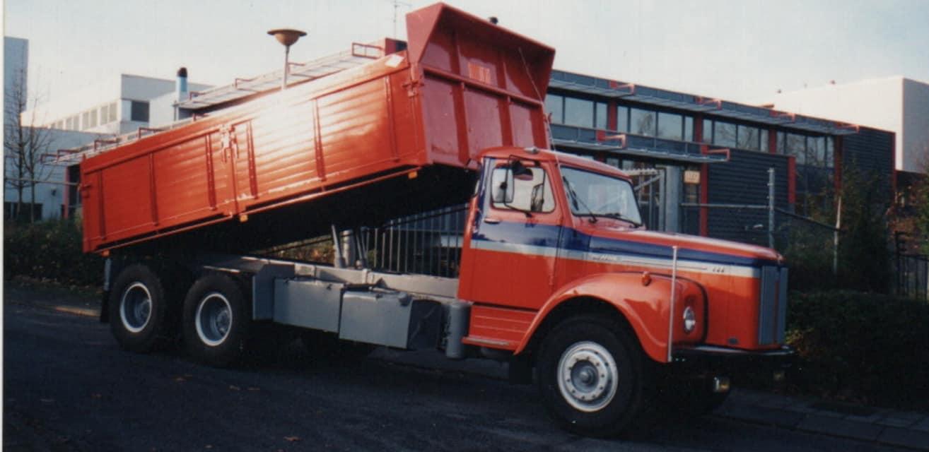 Scania-vabis-met-de-Buca-kipper