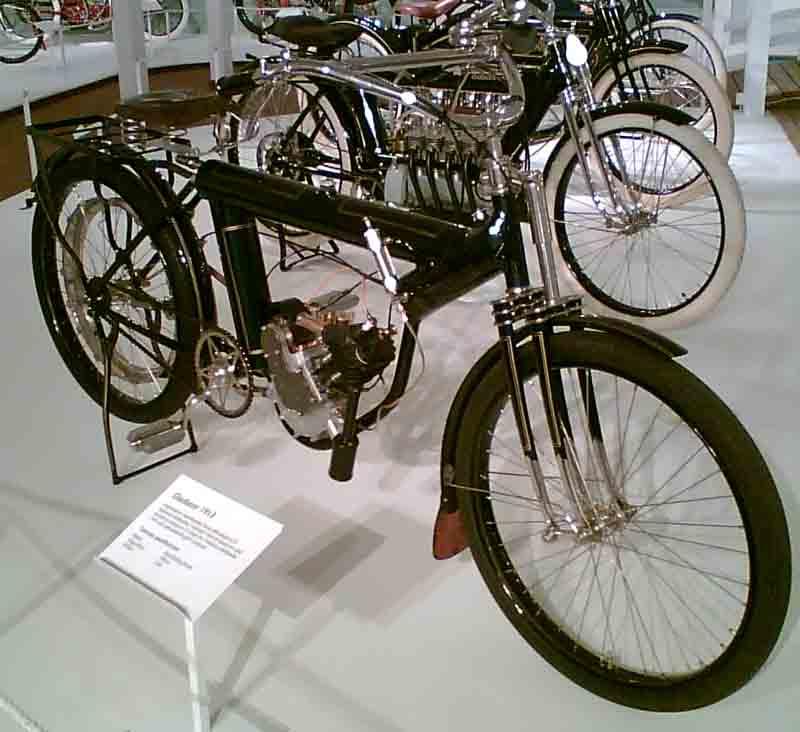 1913-motorfiets-Gladiator