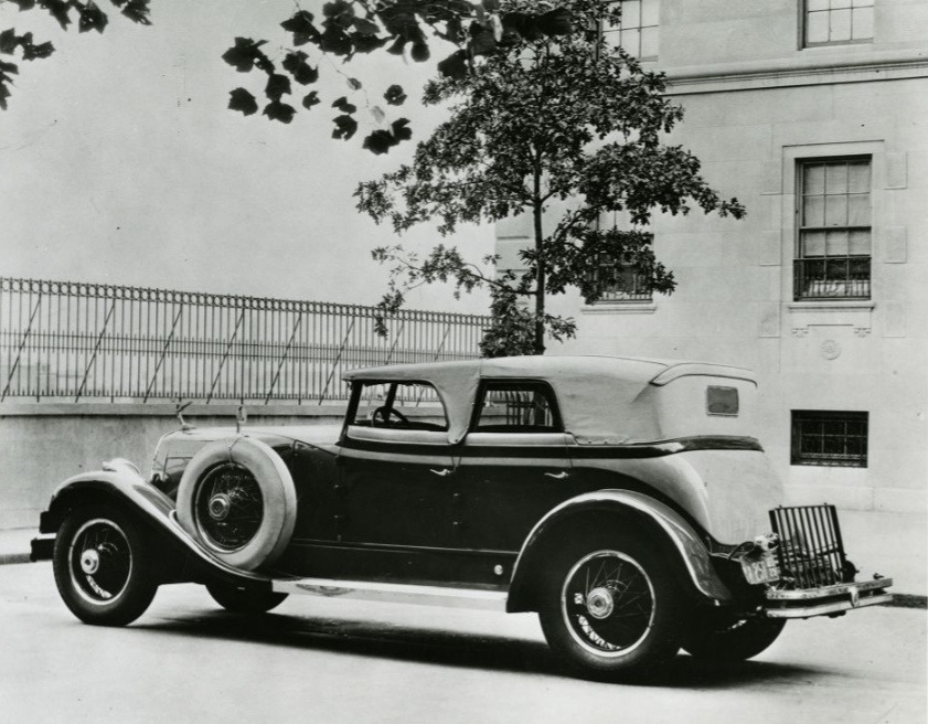 1929-Du-Pont-8-cillinder-(2)