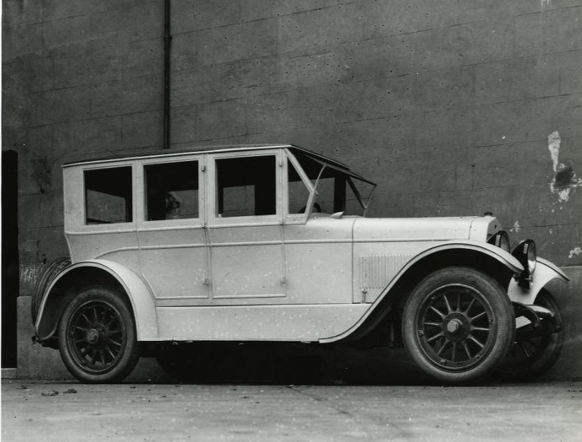 1929-Du-Pont-Limousine-(2)