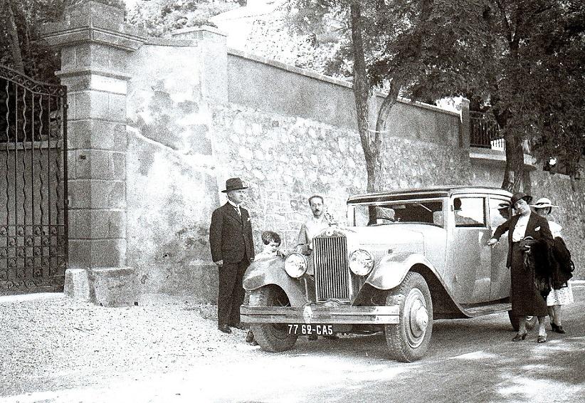 1928-familie-foto-in-Aix-en-Provence-met-type-20-en-mijn-oom-Joseph-Lebre