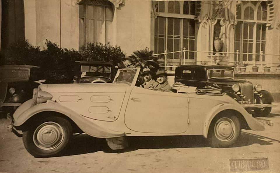 Chenard-et-Walker-Cabriolet-Super-Ailgle-1935-in-Barcelona-(2)