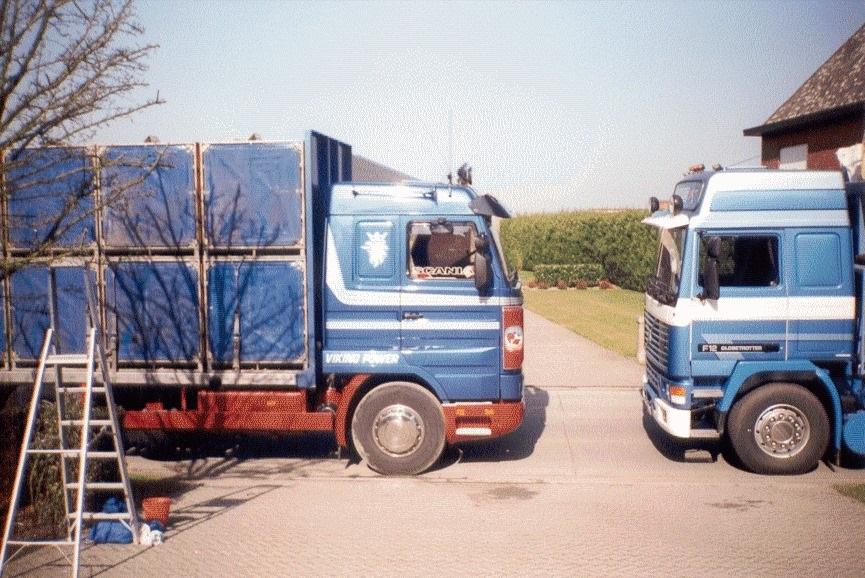 Nonkel-Harry--met-de-Volvo-van-Papa