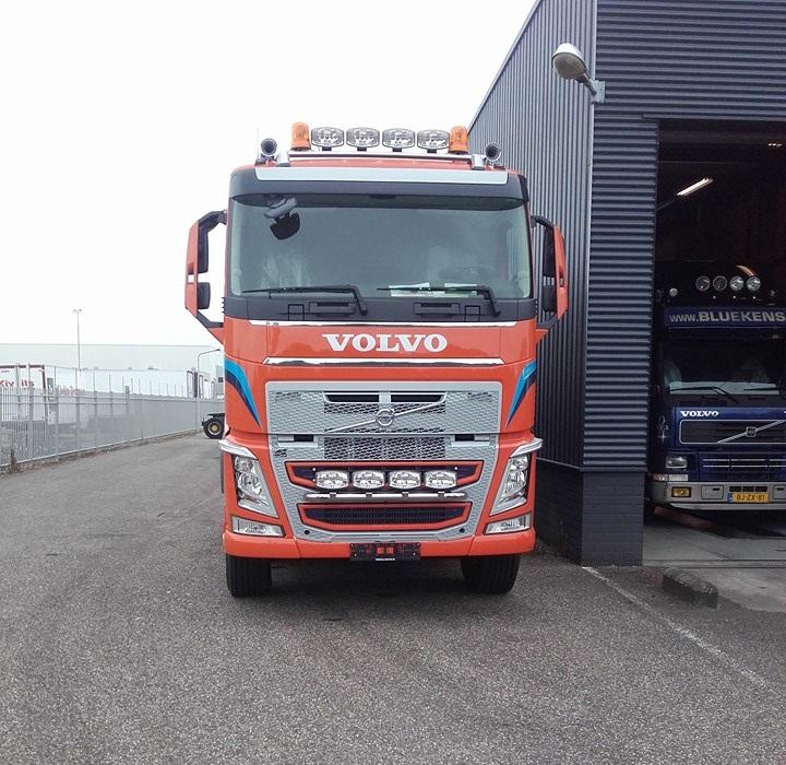 Volvo-10X4-juni-2016