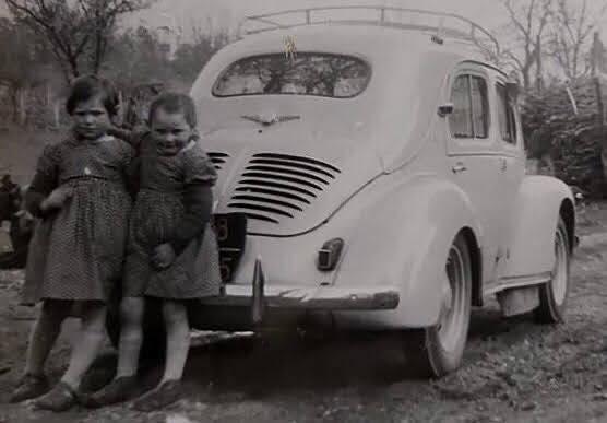 Renault-4CV-(1)