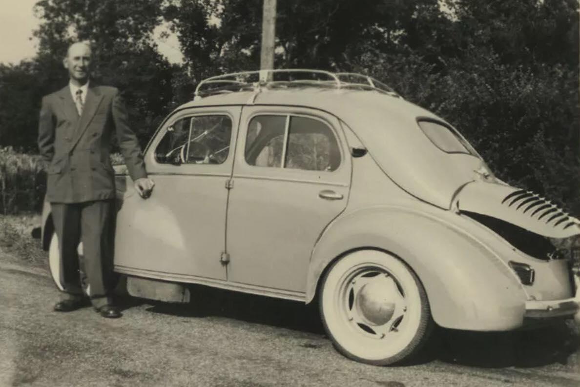 Renault-4CV-(2)