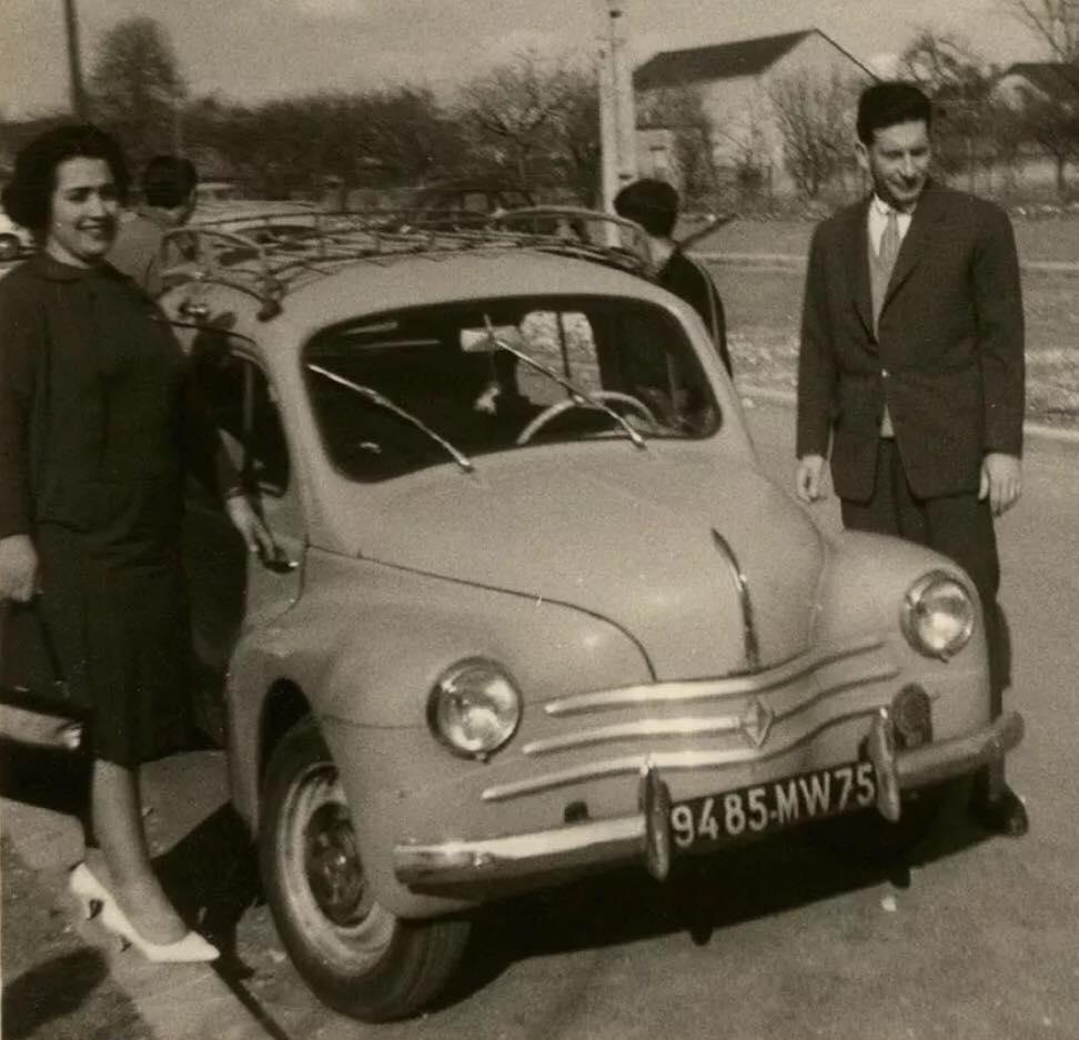 Renault-4CV-(5)