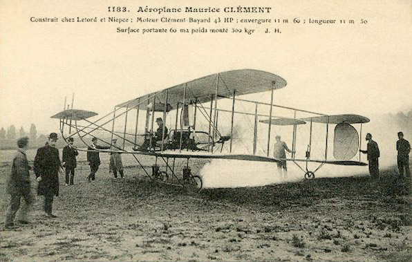 1908--Maurice-Clement-aan-het-stuur-van-de-Clement-Bayard-tweedekker